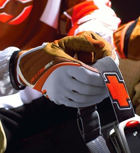 AlloyMX Gloves by moto