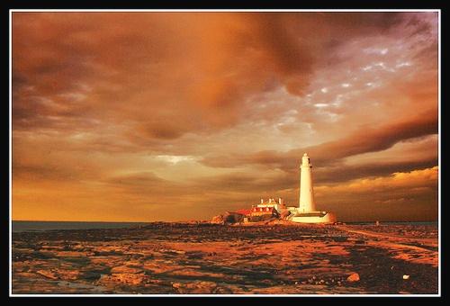 Last Lighthouse by MoWiz