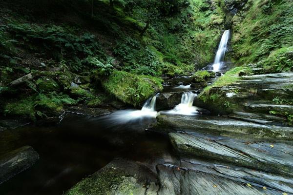 Rhaeader Falls 2 by Bogwoppett
