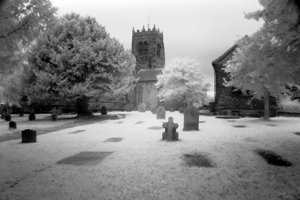 spooky churchyard by Bogwoppett