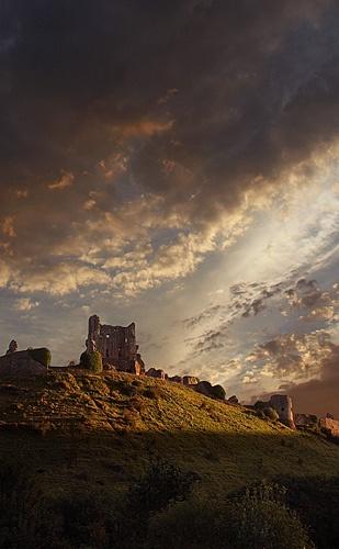Corfe Castle by Kris_Dutson