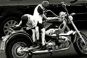 Boys & Toys by aworan