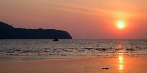 Tg.Dawai sunset by mariner
