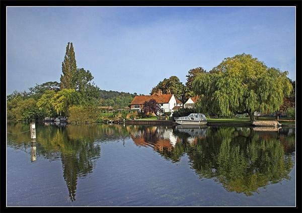 Thames at Hambledon by Carol_f