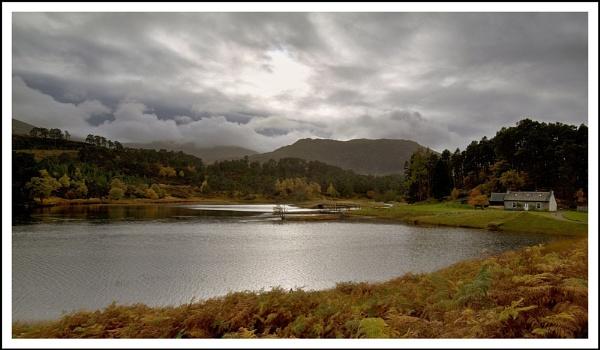 Glen Affric cottag by Scottishlandscapes