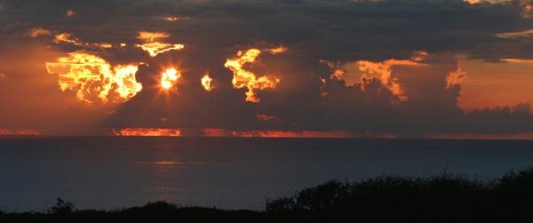 Red Sky.................. by lloydy