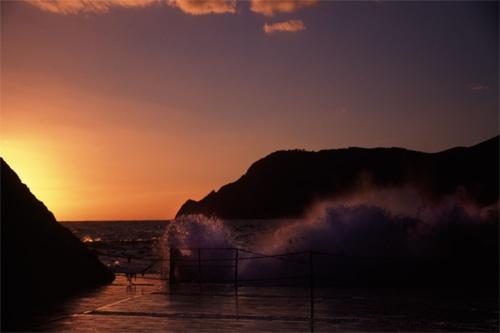 Sunset Waves by NigelAndrew