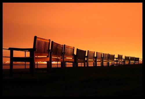 MEMORIAL SEATS by Rayner