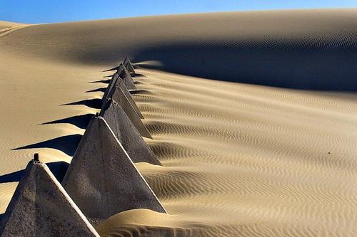 Desert pyramids by melbrackstone