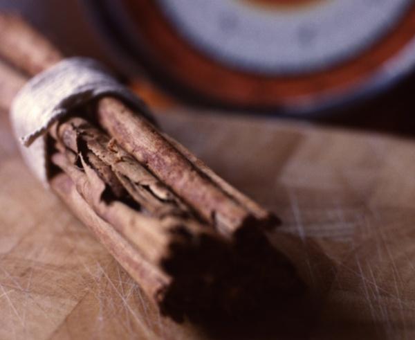 Still life with Cinnamon by FrankThomas