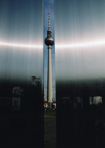 Berlin TV Mast by kenedwar