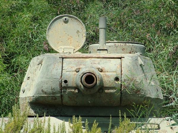 Tank by Jonnik