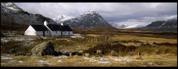 Black Rock Cottage, Glencoe by Camairish