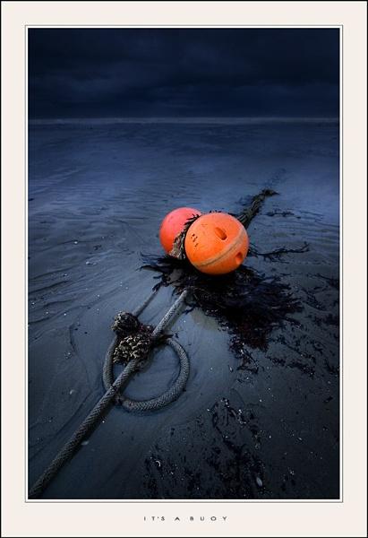 It\'s a buoy by den2il