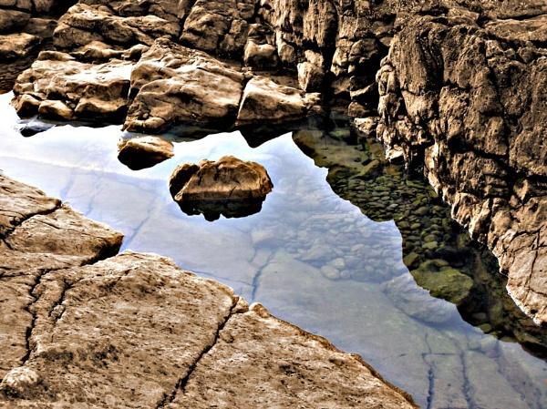 Rock Pool by 54 luca