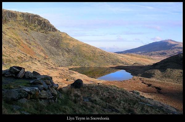 Llyn Teyrn, Snowdonia by Dotrob