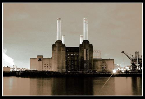 Battersea power station by alzeepark