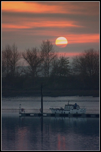 December Sunset by woody_mjw