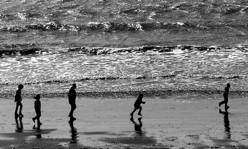 Walk on the beach by franken