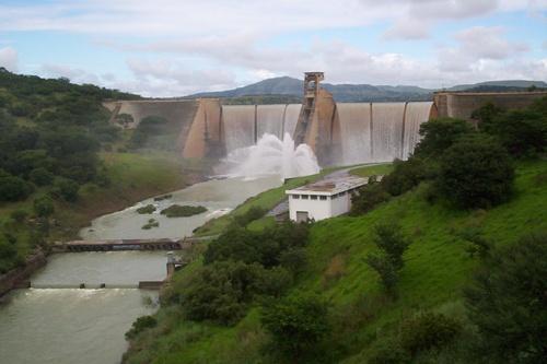 Waggendrift Dam by Sina