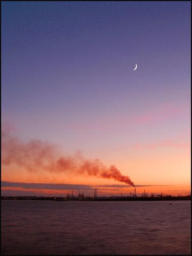 Industrial Sunset/Moonrise by peterhorner