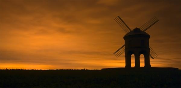 Moulin Orange by strawman