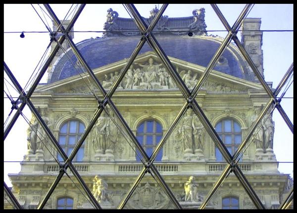 Louvre by GavMc