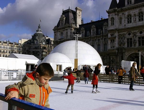 Skating in Paris by Rob
