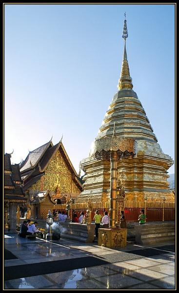 Wat Prathat Doi Suthep by AntHolloway