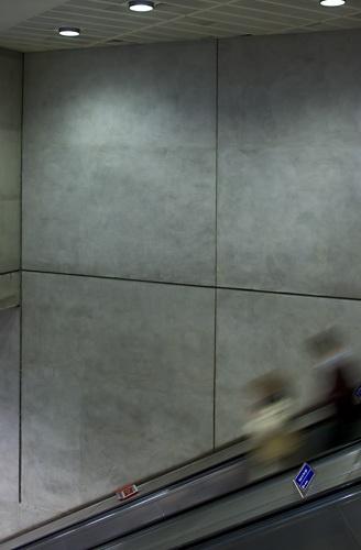 escalaltor, London Bridge tube.... by pikey