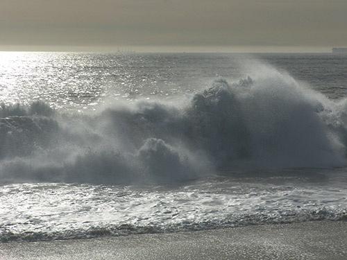 wave re-post by gajewski