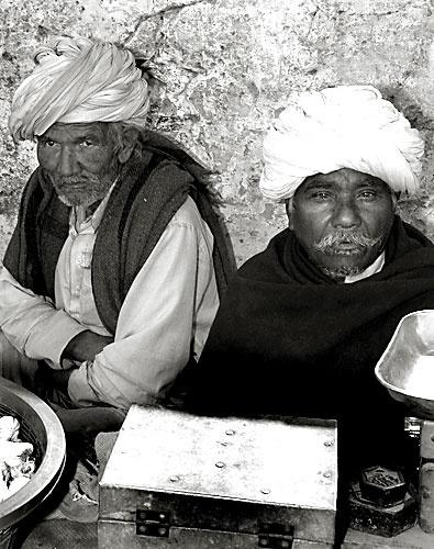 Street Vendors by aworan