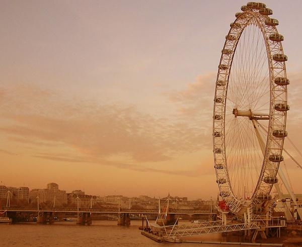 London Eyed by vincerisi
