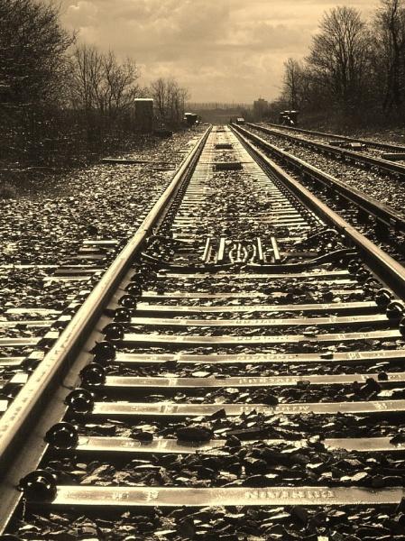 RAILWAY LINE by Chocwendy