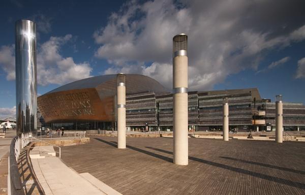 Cardiff Bay by strawman