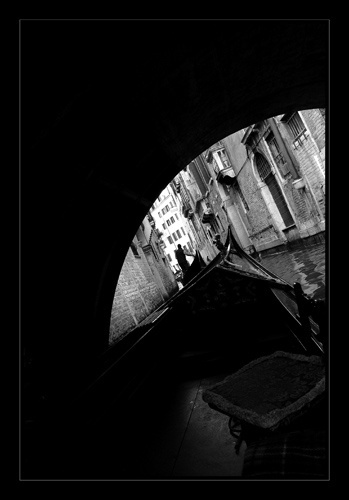 Under the Bridge by aalonso