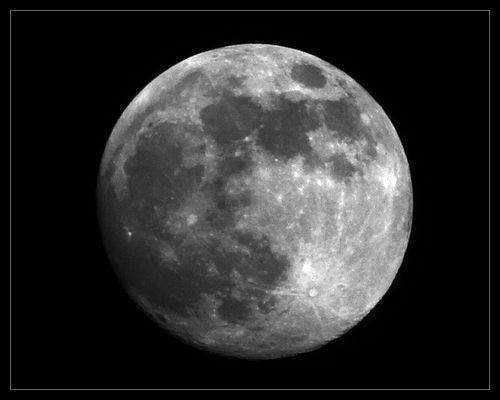 Tonight\'s Moon by Max_WW