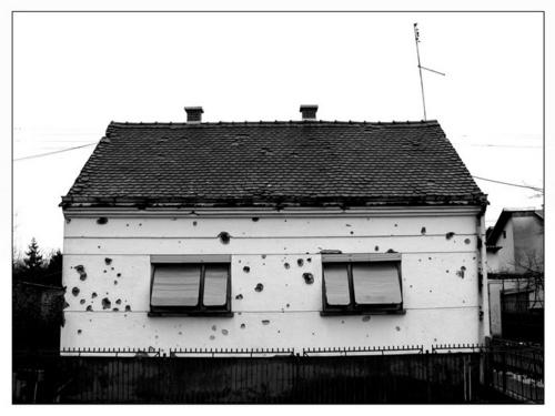 Bloody War by tinemazgon