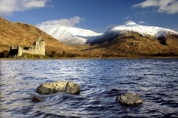 Scottish Castle by stulam