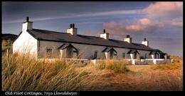 Pilot's Cottages, Ynys Llanddwyn