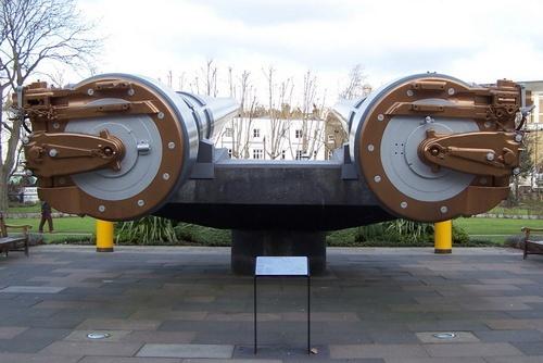 Imperial War Museum by LucretiaBorgia
