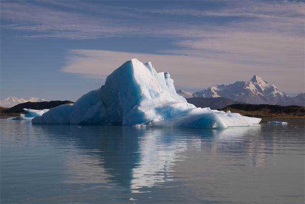 Icebergs by jaktis