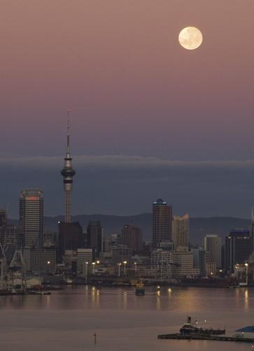 AK Moon City by bentspace