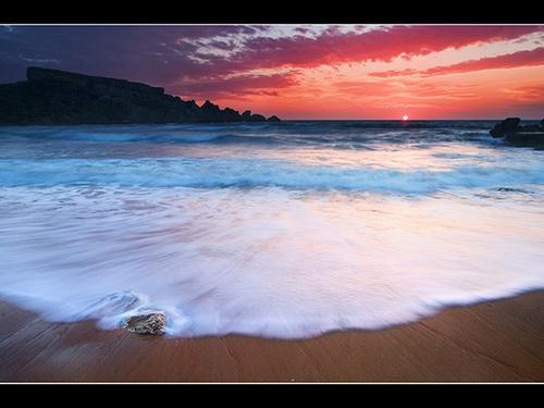 ROARING WAVES by StephenGalea