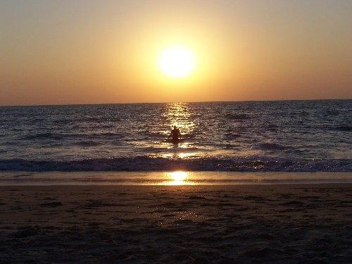 swimming in Goa by mark2uk