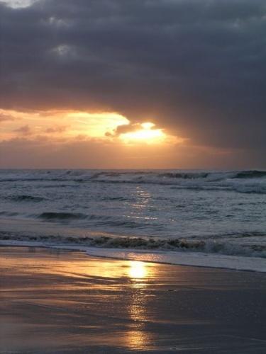 Sunrise by aussielass