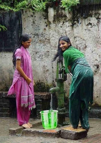 Girls in the rain by Kali