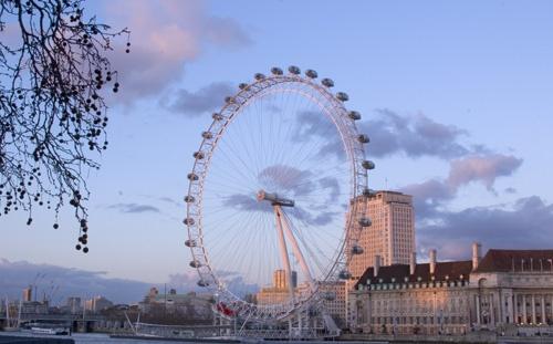wheel at dusk by curlyfilm