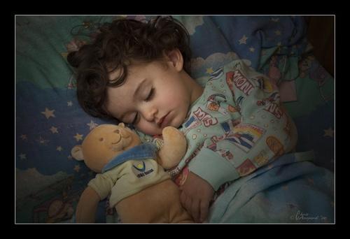 Sleeping by Ruggieru