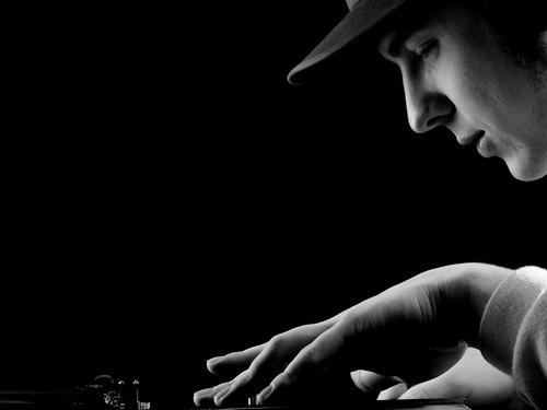 DJ by WILCZEWSKI